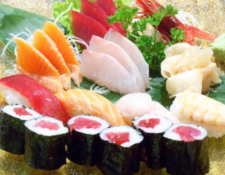 sashimi-sushi-comerconlila