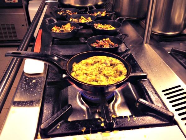 barcelona-born-gourmet-trinxat y huevos-comerconlila