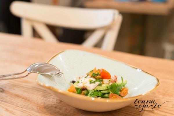 ensaladadepulpo-aguacate-Macondo-restaurante-comerconlila