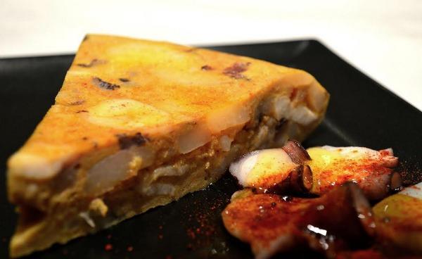 tortilla-de-pulpo-les-truites-comerconlila