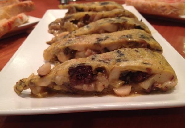 tortilla-piesdecerdo-butifarranegra-alubias-comerconlila
