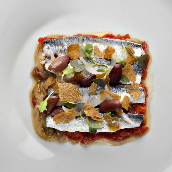 AlmaBarcelona platos Restaurante ©olga planas (7) coca de sardinas comerconlila